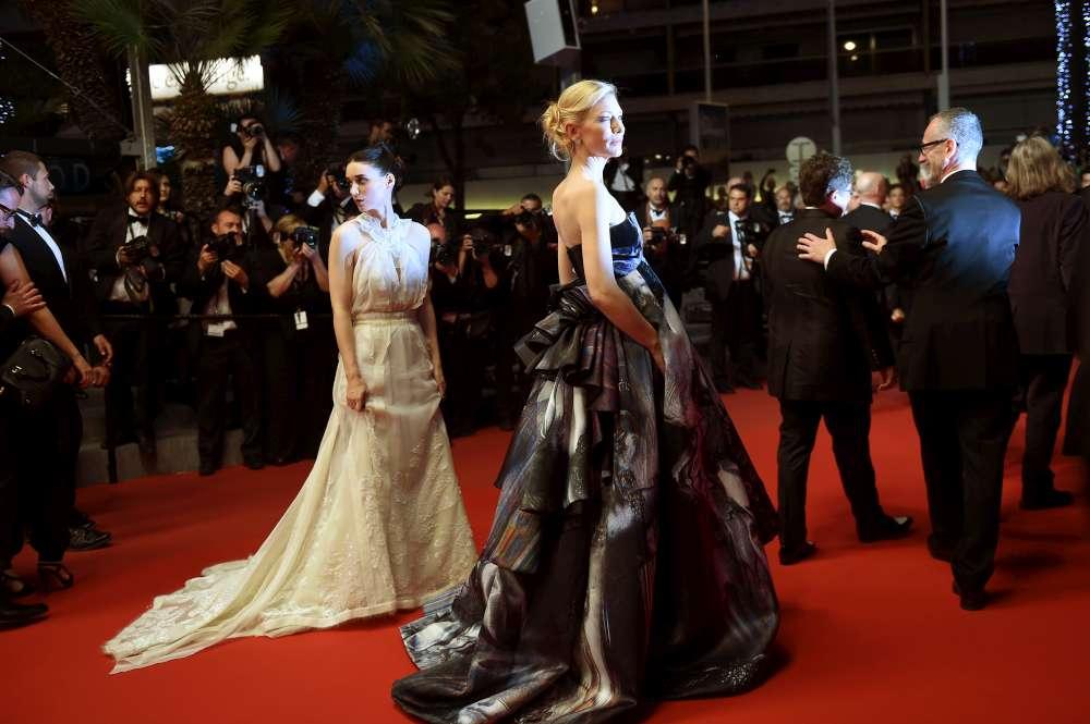 """Cannes promuove """"Carol"""" e Cate Blanchett, protagonista di una passione lesbo"""